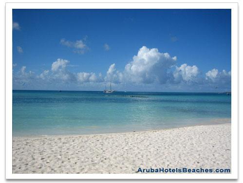 Peaceful_Aruba_Beach
