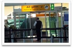 Departure Terminal at the Queen Beatrix International Airport2